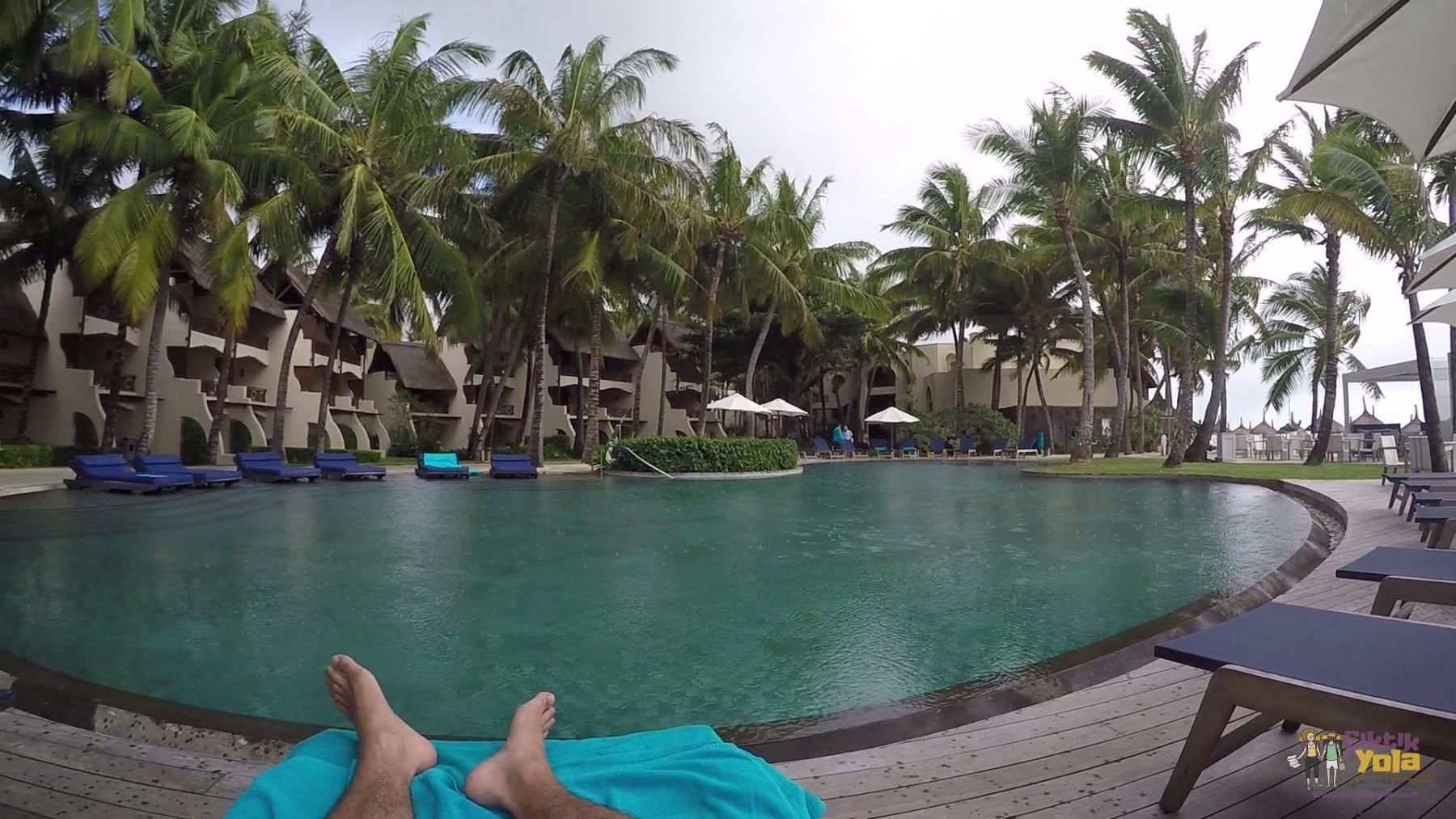 constance bele mare plage mauritius havuz