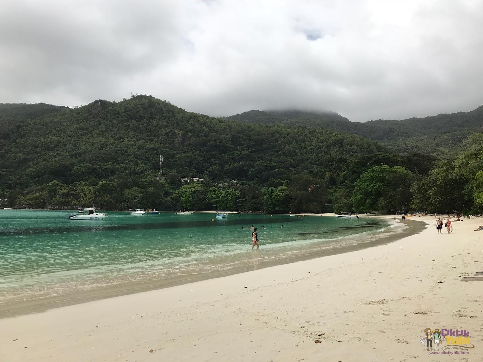 port launay plajı mahe seyşeller