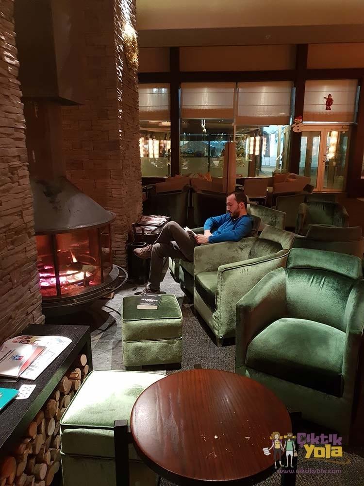 sway hotels lobi lobby