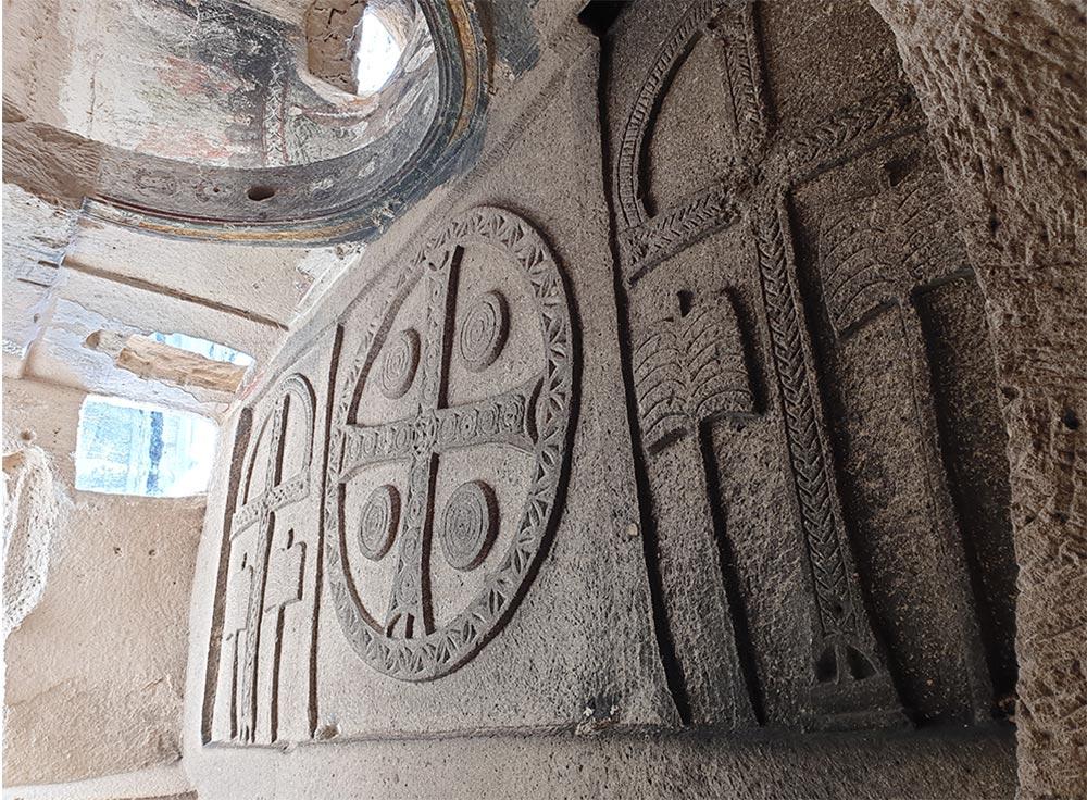 Üç Haçlı Kilise Kapadokya