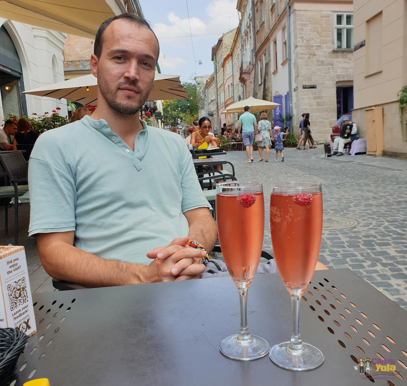 Lviv Champagneria