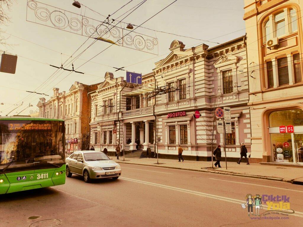 Kharkov'da Ulaşım